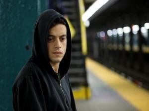 Rami Malek als Elliot -- (Foto: Peter Kramer/USA Network via VPRO)