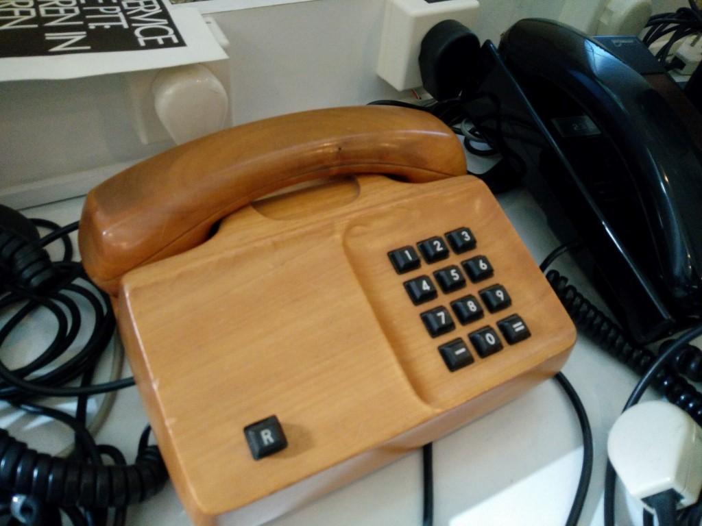 Telefoon uit collectie Houweling Telecom Museum te Rotterdam (C) Mediamagazine