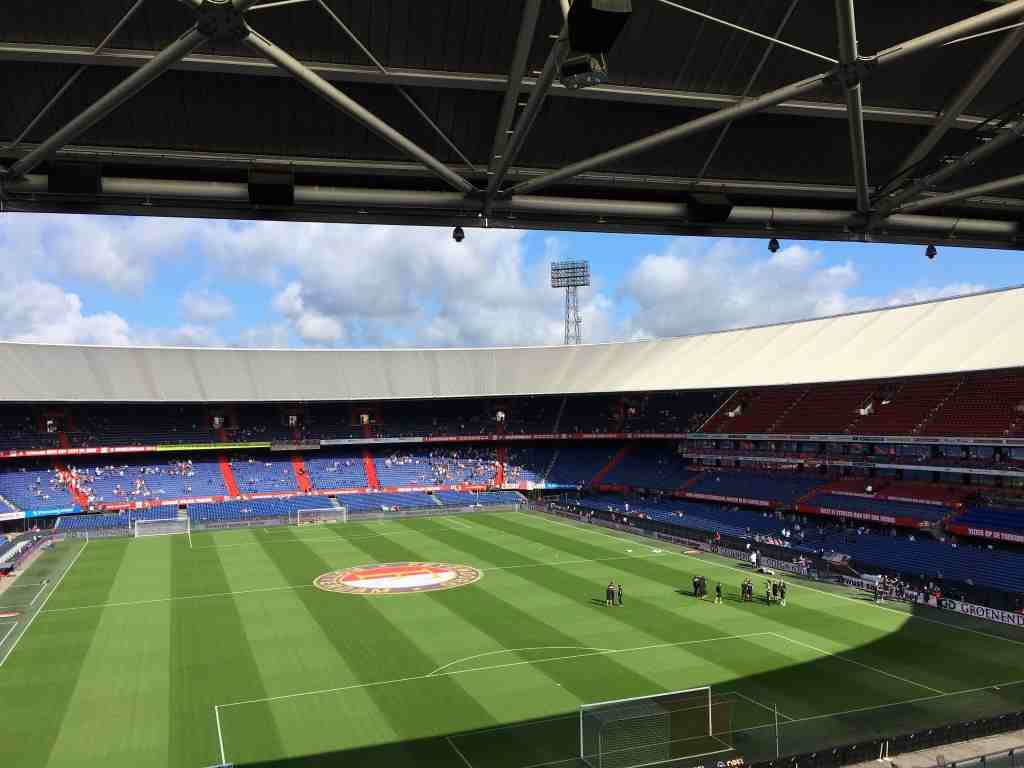 Europa League: wedstrijden Ajax, Feyenoord en AZ live op radio en tv: https://mediamagazine.nl/europa-league-wedstrijden-ajax-feyenoord...